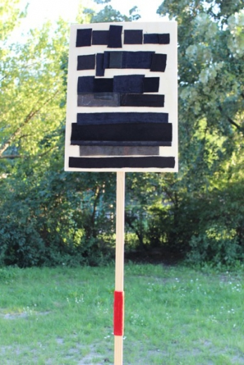 BlackOut, 2012, wood (placards) leather, velvet textiles (Görlitzer Park, Berlin-Kreuzberg)